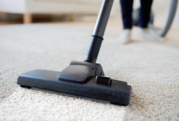 Membersihkan Karpet Dengan Mudah Dan Efisien